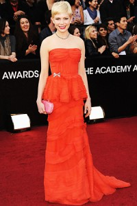 oscars 2012 michelle williams 200x300 Oscar Night 2012 + Dilovelys EXTRA Oscars