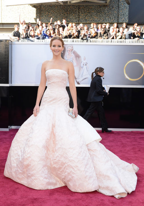 oscars 2013 jennifer lawrence dior haute couture h724 Dilovelys Extra Oscars 2013 + Defense of Seth MacFarlane